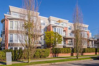 "Photo 15: 402 2288 W 12TH Avenue in Vancouver: Kitsilano Condo for sale in ""CONNAUGHT POINT"" (Vancouver West)  : MLS®# R2051681"