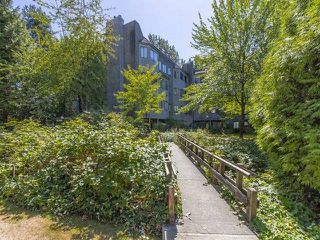 "Photo 1: 306 9880 MANCHESTER Drive in Burnaby: Cariboo Condo for sale in ""BROOKSIDE CRT"" (Burnaby North)  : MLS®# R2103223"