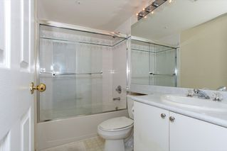 "Photo 15: 305 1519 GRANT Avenue in Port Coquitlam: Glenwood PQ Condo for sale in ""The Beacon"" : MLS®# R2111528"