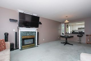 "Photo 5: 305 1519 GRANT Avenue in Port Coquitlam: Glenwood PQ Condo for sale in ""The Beacon"" : MLS®# R2111528"