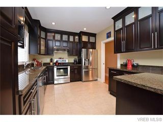 Photo 10: 1005 Graphite Pl in VICTORIA: La Bear Mountain Single Family Detached for sale (Langford)  : MLS®# 744151