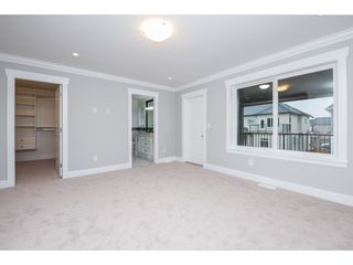 Photo 11: 27645 RAILCAR Crescent in Abbotsford: Aberdeen House for sale : MLS®# R2125726