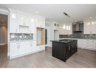 Photo 8: 27645 RAILCAR Crescent in Abbotsford: Aberdeen House for sale : MLS®# R2125726