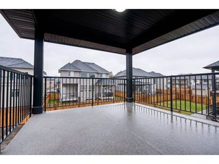 Photo 2: 27645 RAILCAR Crescent in Abbotsford: Aberdeen House for sale : MLS®# R2125726
