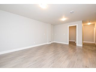 Photo 18: 27645 RAILCAR Crescent in Abbotsford: Aberdeen House for sale : MLS®# R2125726