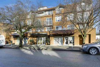 "Photo 1: 401 2071 W 42ND Avenue in Vancouver: Kerrisdale Condo for sale in ""THE LAUREATES"" (Vancouver West)  : MLS®# R2133833"