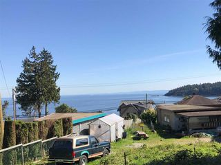 Photo 1: 6220 SUNSHINE COAST Highway in Sechelt: Sechelt District House for sale (Sunshine Coast)  : MLS®# R2140615