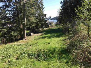 Photo 2: 6220 SUNSHINE COAST Highway in Sechelt: Sechelt District House for sale (Sunshine Coast)  : MLS®# R2140615