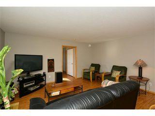 Photo 15: 6639 Pinecliff Grove NE in Calgary: Pineridge House for sale : MLS®# C4107612