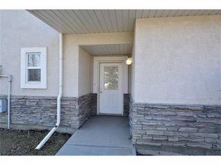 Photo 4: 6639 Pinecliff Grove NE in Calgary: Pineridge House for sale : MLS®# C4107612