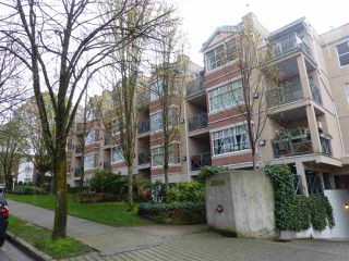 "Photo 1: 309 2388 TRIUMPH Street in Vancouver: Hastings Condo for sale in ""ROYAL ALEXANDRA"" (Vancouver East)  : MLS®# R2157948"