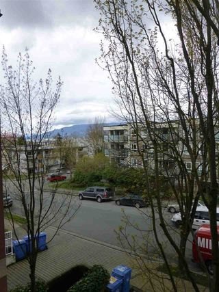 "Photo 11: 309 2388 TRIUMPH Street in Vancouver: Hastings Condo for sale in ""ROYAL ALEXANDRA"" (Vancouver East)  : MLS®# R2157948"