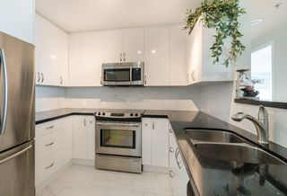 Photo 5: 2705 1367 ALBERNI Street in Vancouver: West End VW Condo for sale (Vancouver West)  : MLS®# R2164011