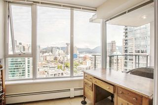 """Photo 10: 3003 188 KEEFER Place in Vancouver: Downtown VW Condo for sale in """"Espana"""" (Vancouver West)  : MLS®# R2165128"""
