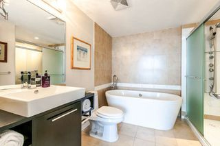 """Photo 9: 3003 188 KEEFER Place in Vancouver: Downtown VW Condo for sale in """"Espana"""" (Vancouver West)  : MLS®# R2165128"""