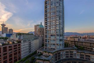 "Photo 3: 1603 188 KEEFER Place in Vancouver: Downtown VW Condo for sale in ""ESPANA"" (Vancouver West)  : MLS®# R2173772"