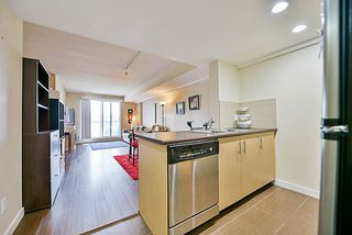 Photo 2: 904 200 KEARY Street in New Westminster: Sapperton Condo for sale : MLS®# R2176431