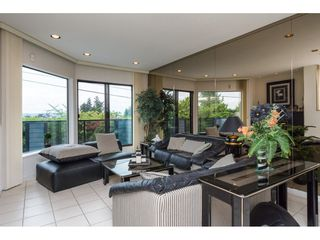 """Photo 4: 15837 COLUMBIA Avenue: White Rock House for sale in """"East Beach"""" (South Surrey White Rock)  : MLS®# R2191085"""