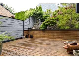 """Photo 18: 15837 COLUMBIA Avenue: White Rock House for sale in """"East Beach"""" (South Surrey White Rock)  : MLS®# R2191085"""