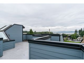"""Photo 19: 15837 COLUMBIA Avenue: White Rock House for sale in """"East Beach"""" (South Surrey White Rock)  : MLS®# R2191085"""