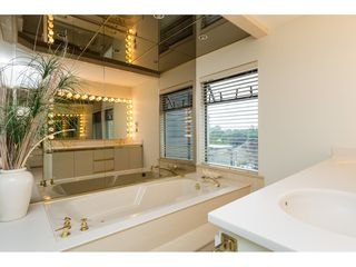 """Photo 14: 15837 COLUMBIA Avenue: White Rock House for sale in """"East Beach"""" (South Surrey White Rock)  : MLS®# R2191085"""