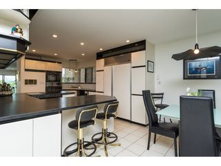 """Photo 9: 15837 COLUMBIA Avenue: White Rock House for sale in """"East Beach"""" (South Surrey White Rock)  : MLS®# R2191085"""