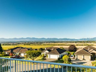 Photo 2: 1450 Farquharson Dr in COURTENAY: CV Courtenay East House for sale (Comox Valley)  : MLS®# 771214