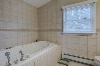 Photo 26: 1359 BRIARLYNN Crescent in North Vancouver: Westlynn House for sale : MLS®# R2227732