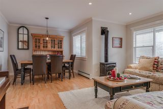 Photo 2: 1359 BRIARLYNN Crescent in North Vancouver: Westlynn House for sale : MLS®# R2227732