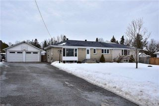 Photo 1: 218 Davidson Street in Pickering: Rural Pickering House (Bungalow) for sale : MLS®# E4045876