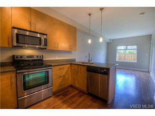 Photo 10: 114 21 Conard Street in : VR Hospital Residential for sale (View Royal)  : MLS®# 363245