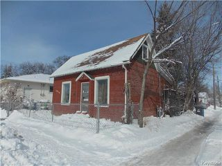 Photo 2: 1029 Burrows Avenue in Winnipeg: Shaughnessy Heights Residential for sale (4B)  : MLS®# 1804926