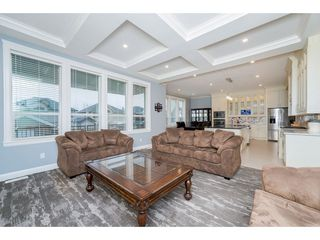 Photo 3: 27888 LEDUNNE Avenue in Abbotsford: Aberdeen House for sale : MLS®# R2254464