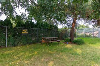 Photo 16: 101 830 Esquimalt Road in VICTORIA: Es Old Esquimalt Condo Apartment for sale (Esquimalt)  : MLS®# 389784