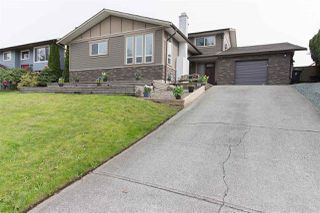 Photo 1: 26874 32A Avenue in Langley: Aldergrove Langley House for sale : MLS®# R2261824