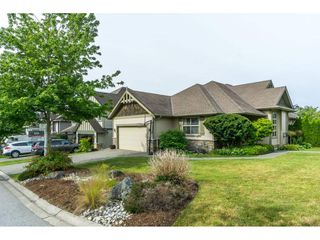 """Photo 2: 3855 CAVES Court in Abbotsford: Abbotsford East House for sale in """"Sandyhill"""" : MLS®# R2278796"""