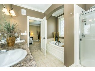 """Photo 11: 3855 CAVES Court in Abbotsford: Abbotsford East House for sale in """"Sandyhill"""" : MLS®# R2278796"""