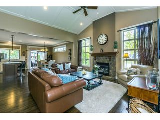 """Photo 3: 3855 CAVES Court in Abbotsford: Abbotsford East House for sale in """"Sandyhill"""" : MLS®# R2278796"""
