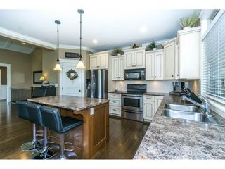 """Photo 8: 3855 CAVES Court in Abbotsford: Abbotsford East House for sale in """"Sandyhill"""" : MLS®# R2278796"""