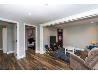 """Photo 15: 3855 CAVES Court in Abbotsford: Abbotsford East House for sale in """"Sandyhill"""" : MLS®# R2278796"""
