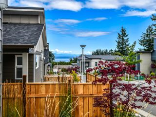 Photo 3: 2 325 Niluht Rd in CAMPBELL RIVER: CR Campbell River Central Row/Townhouse for sale (Campbell River)  : MLS®# 793351