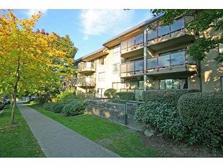 "Photo 10: 207 2150 BRUNSWICK Street in Vancouver: Mount Pleasant VE Condo for sale in ""Mount Pleasant Place"" (Vancouver East)  : MLS®# R2297672"