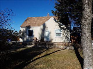 Main Photo: 127 Main Street East in Langham: Residential for sale : MLS®# SK751094