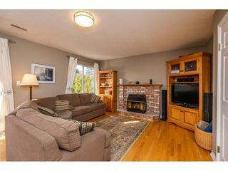 "Photo 11: 19662 SOMERSET Drive in Pitt Meadows: Mid Meadows House for sale in ""Somerset"" : MLS®# R2337988"