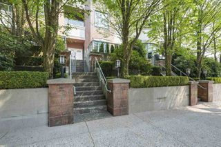 Main Photo: 287 SMITHE Street in Vancouver: Downtown VW Townhouse for sale (Vancouver West)  : MLS®# R2341273