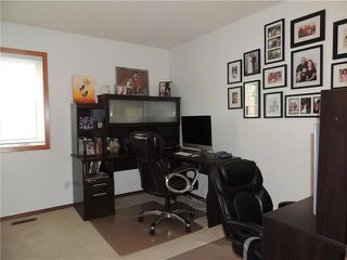 Photo 10: 215 Rutledge Crescent in Winnipeg: Harbour View South Residential for sale (3J)  : MLS®# 1905756