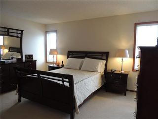 Photo 7: 215 Rutledge Crescent in Winnipeg: Harbour View South Residential for sale (3J)  : MLS®# 1905756