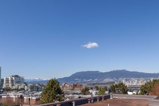 Main Photo: 2345 BIRCH Street in Vancouver: Fairview VW Townhouse for sale (Vancouver West)  : MLS®# R2353699