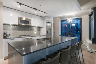 "Photo 2: 2809 108 W CORDOVA Street in Vancouver: Downtown VW Condo for sale in ""WOODWARDS"" (Vancouver West)  : MLS®# R2359812"