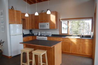 Photo 5: 5596 N GREEN LAKE Road in Lone Butte: Lone Butte/Green Lk/Watch Lk House for sale (100 Mile House (Zone 10))  : MLS®# R2360497